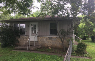 2313 Waneta Avenue, Middletown, OH 45044, 2 Bedrooms Bedrooms, ,1 BathroomBathrooms,Home,For Sale,Waneta,1625222