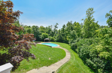 8125 Muchmore Point Lane, Indian Hill, OH 45243, 5 Bedrooms Bedrooms, ,5 BathroomsBathrooms,Home,For Sale,Muchmore Point,1628244