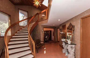 9100 Old Indian Hill Road, Indian Hill, OH 45243, 5 Bedrooms Bedrooms, ,5 BathroomsBathrooms,Home,For Sale,Old Indian Hill,1630205