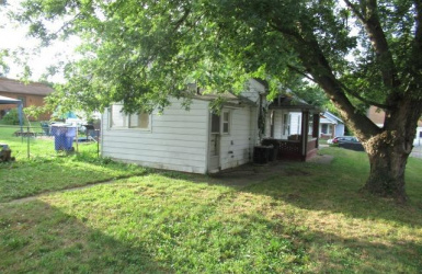 1133 Ross Avenue, Hamilton, OH 45013, 2 Bedrooms Bedrooms, ,1 BathroomBathrooms,Home,For Sale,Ross,1631161