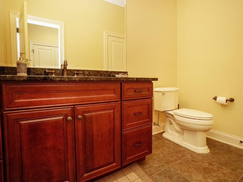 1 Creekside Drive, Indian Hill, OH 45242, 4 Bedrooms Bedrooms, ,3 BathroomsBathrooms,Home,For Sale,Creekside,1632032